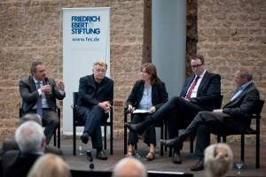 Christian Z. Schmitz, Thomas Meyer, Alexander Schweitzer y Gerald Hubmann, moderados por Anja Kruke. Foto: Marco Piecuch