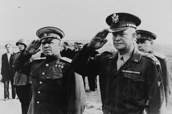 Zhukov y Eisenhower (1945)